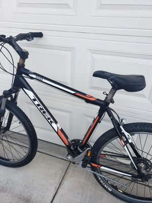 Trek mountain bike great condition light weight for Sale in Alameda, CA