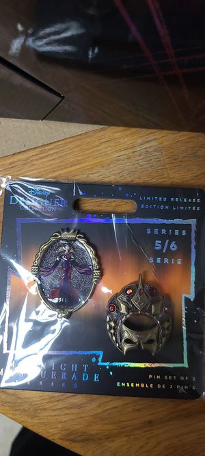 Disney Designer Collection Midnight Masquerade Evil Queen with pins for Sale in Lodi, NJ