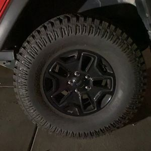 35x12.5r17 Willy's Jeep Wheels for Sale in Morgan Hill, CA