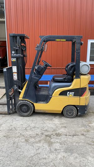 CAT Forklift CC4000 ( tank not included, long forks not included) for Sale in Warrenville, IL