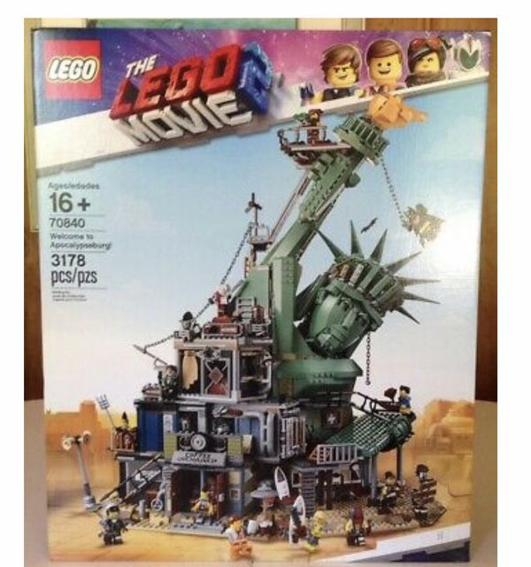 Lego movie 2 Apocalypseburg