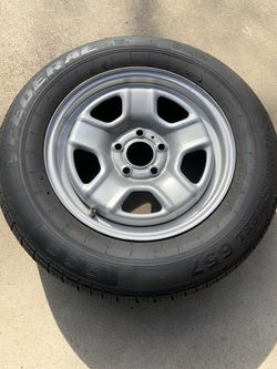 4 - 215/65/16 tires and wheels for Sale in Fresno,  CA