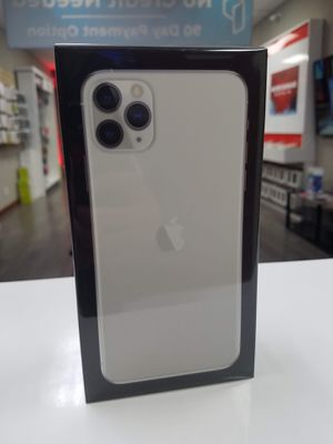 Iphone 11 Pro Max 64gb unlocked on finance with $50 down for Sale in Addison, TX