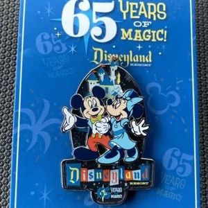 Disney Disneyland 65th Anniversary Years of Magic Pin Mickey Minnie LR for Sale in Queens, NY