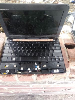 Dell mini laptop for parts only for Sale in San Antonio, TX