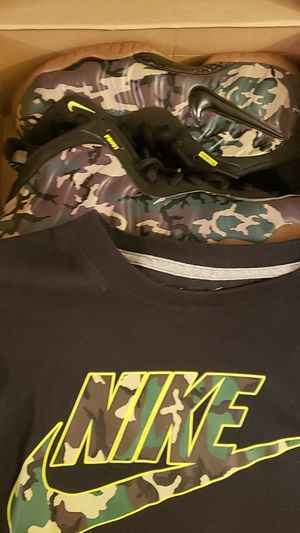 Air foamposite pro Camo size 10 comes with *free shirt* condition 10/10 for Sale in Antioch, CA