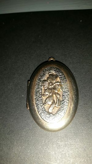 Vintage gold plated keep safe locket $20 for Sale in Memphis, TN