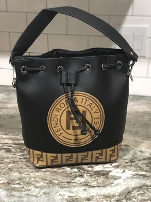 Fendi Bag for Sale in Altamonte Springs, FL