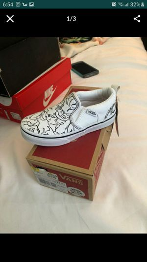 Kids vans size 11 for Sale in San Jacinto, CA