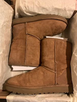 UGG Size 9 for Sale in San Marcos, TX