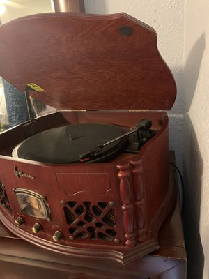 Old CD player $100 for Sale in Miami, FL