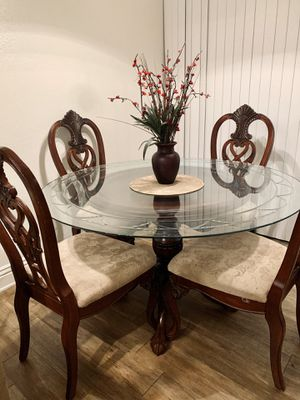 Dining table set (antique style) for Sale in Upland, CA