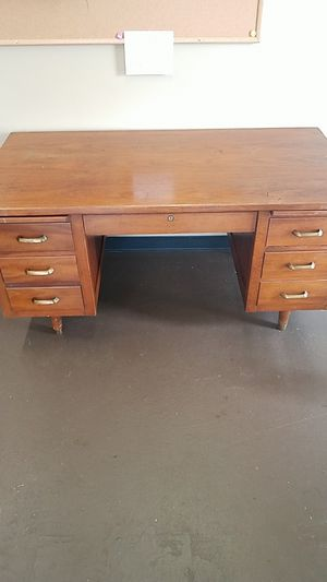Real wood desk for Sale in Fort Valley, GA