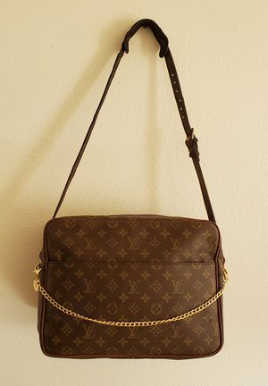 Authentic Louis Vuitton Monogram Nile GM Shoulder, Overnight, Travel Bag for Sale in Los Angeles, CA