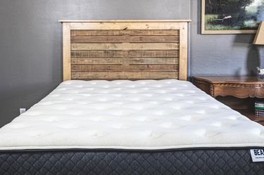 Like NEW Queen Hybrid Mattress for Sale in Bel Air,  MD