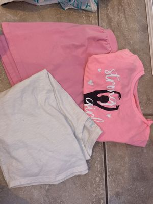 Pink Pack Of Clothes for Sale in Kissimmee, FL