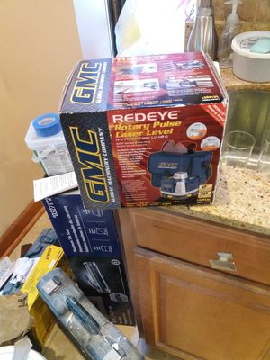 G m c red eye laser level one person for Sale in St. Louis, MO