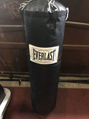 65 pound punching bag for Sale in Saugus, MA