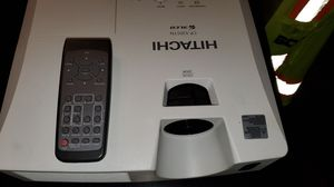 Hitachi cp-X2011N 3lcd projector for Sale in Gilbert, AZ