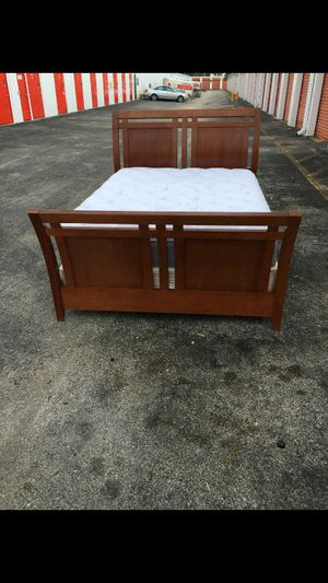Queen Bed With Mattress for Sale in Sunrise, FL