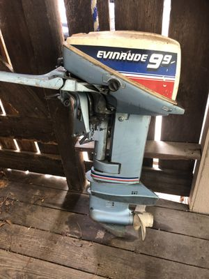 1983 9.9hp Evinrude boat motor for Sale in Houston, TX
