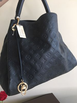 Authentic Louis Vuitton bag for Sale in San Diego, CA