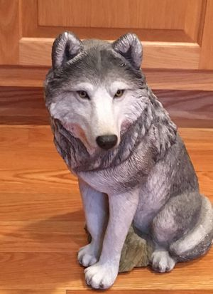 Ceramic wolf statue for Sale in North Attleborough, MA