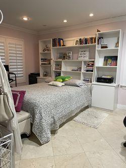 Bedroom Set Includes Queen Matress for Sale in Miami, FL