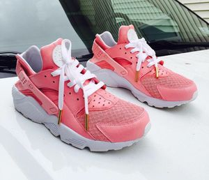 CUSTOM HUARACHES (CHRISTMAS DEALS) for Sale in Dallas, TX