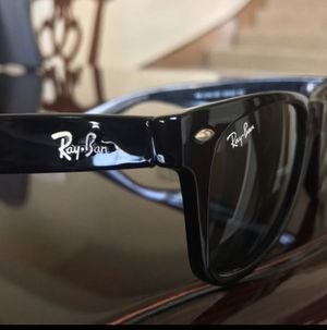 Ray ban wayfarer sunglasses for Sale in Grand Prairie, TX