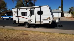 2015 Viking 17FQ ultra-lite travel trailer for sale for Sale in Gilbert, AZ