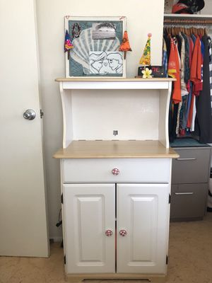 Vintage White Hutch - Good Condition for Sale in Kailua, HI