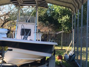 2005 boat engine and trailer. With GPS AND ACCESSORIES ! for Sale in San Marcos, TX