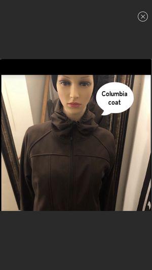 Columbia size medium runs large for Sale in Alexandria, VA