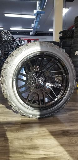 22x12 Motiv Off Road By Tis Gloss Black 6x5.5 6x135 6x139.7 Versatyre MT for Sale in Federal Way,  WA