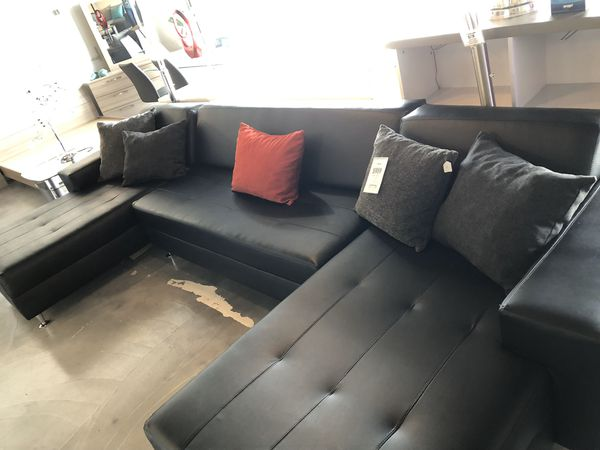 3PC Black Sectional **TAKE HOME TODAY!! SHOWROOM PIECE**