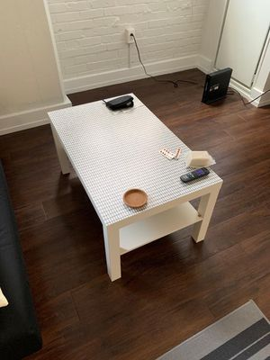 White coffee table for Sale in Philadelphia, PA