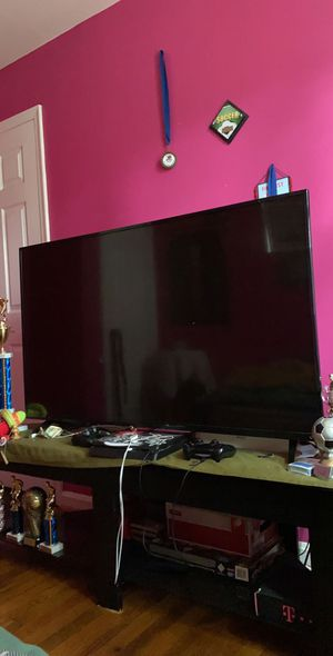 VIZIO tv everything fine no problem with the tv. for Sale in Glenarden, MD