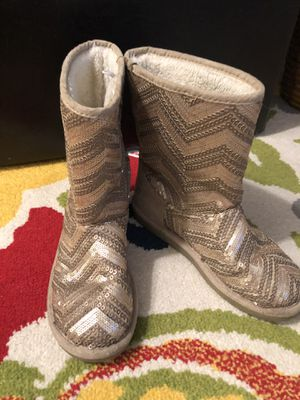 Girl's Boot size 3 Golden color for Sale in West Palm Beach, FL