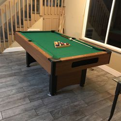 8 Ball Pool Table for Sale in Richmond,  CA