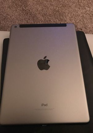 iPad 32g WiFi and cellular for Sale in Smyrna, GA
