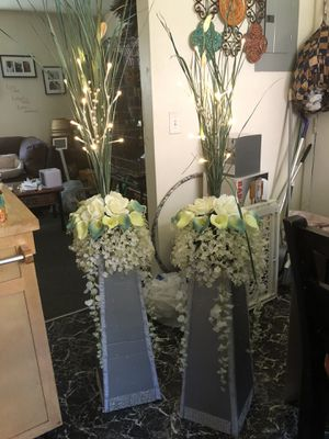 Wedding flowers and stand for Sale in Boston, MA