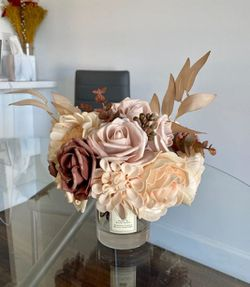 Create Stunning Floral Arrangements Anytime You Want! for Sale in Frederick, MD