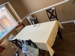 Dinning table for Sale in Rancho Cucamonga, CA
