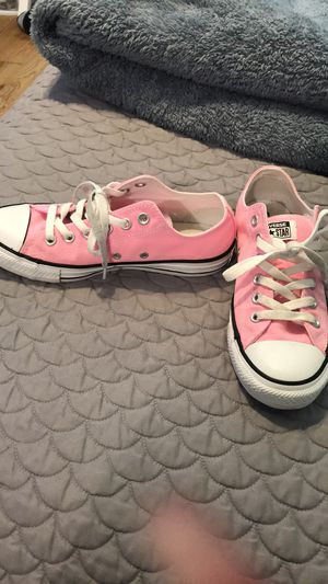 Pink converse all star. for Sale in Dallas, TX