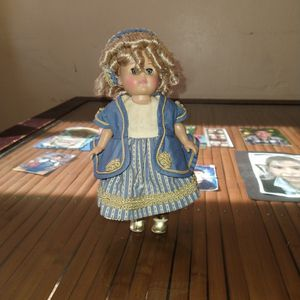 Vintage 1988 Vogue Ginny Doll, Limited Edition, Ringlets, Rosey Cheeks for Sale in Hawthorne, CA
