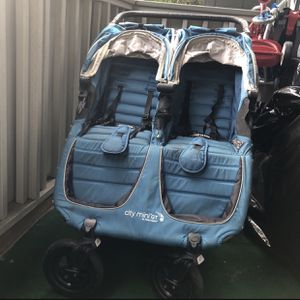Babysitting (twins) for Sale in Concord, CA