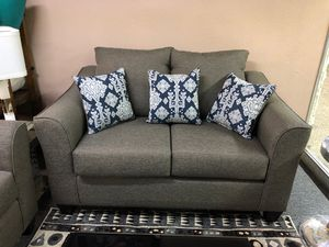 Comfy grey sofa & loveseat set for Sale in Irving, TX