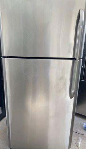 Up left fridge top freezer Kenmore very good condition stainless steel for Sale in Phoenix, AZ