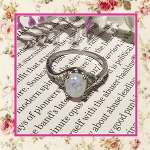 NEW SILVER CIRCLE WHITE FIRE OPAL RING BOHO BLING MOONSTONE SIZE 7 FAUX FUN CUTE DARLING GIFT PRESENT WIFE GIRLFRIEND LADY WOMAN WHITE SPARKLE for Sale in Las Vegas, NV